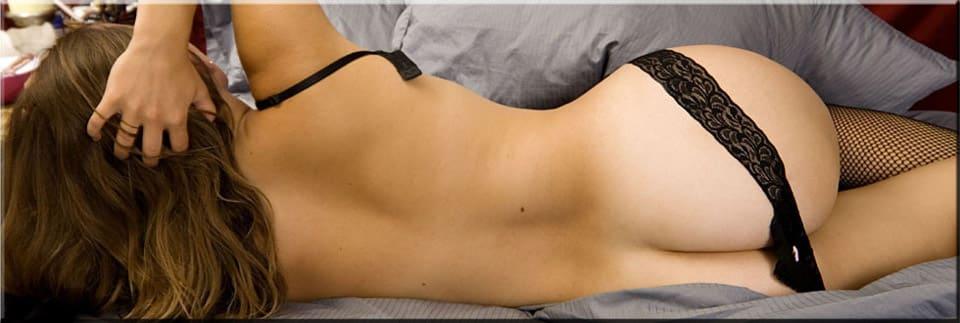polonahá sexy žena otočená chrbtom